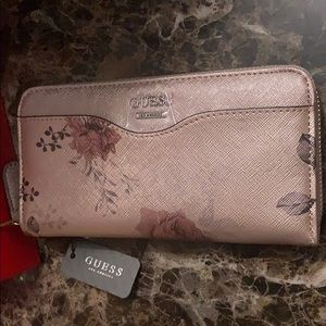 NWT Guess Women's floral wallet